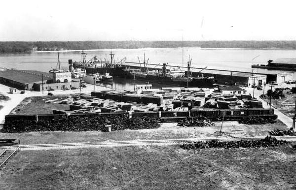 Muncipal Docks 1940s.jpg