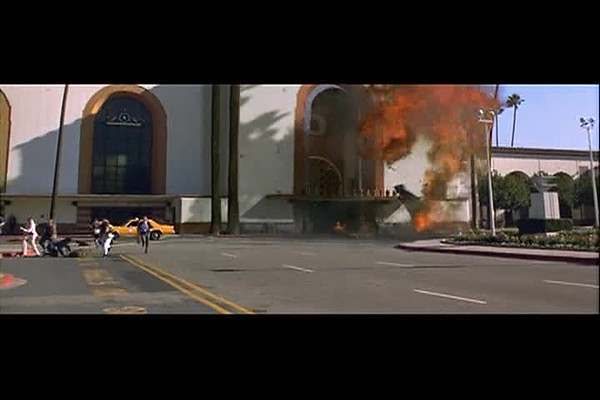 EscapeFromLA_EarthquakedowntownLA110unionstation_3-9.avi