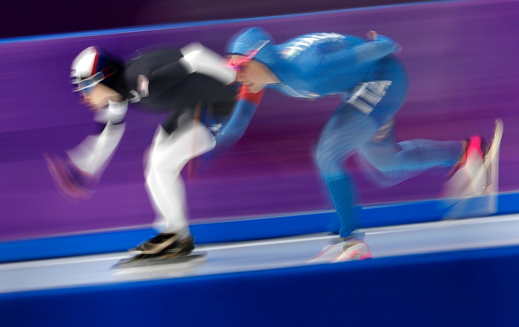 . Mia Manganello of the United States, left, and Francesca Lollobrigida of Italy, right, compete during the women\'s 1,500 meters speedskating race at the Gangneung Oval at the 2018 Winter Olympics in Gangneung, South Korea, Monday, Feb. 12, 2018. (AP Photo/Petr David Josek)