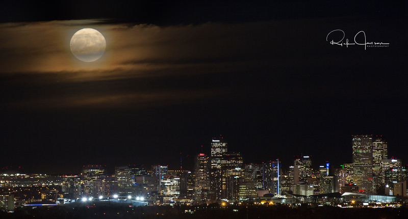 Full Supermoon over Denver.jpg
