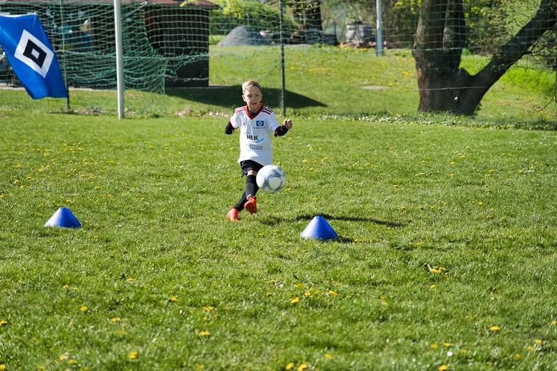 hsv-fussballschule---wochendendcamp-hannm-am-22-und-23042019-w-57_46814456795_o.jpg