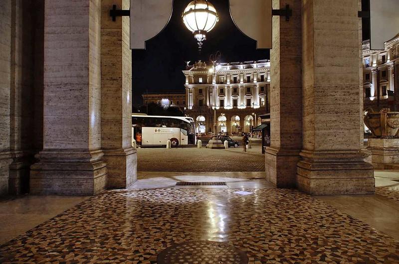 Piazza della Repubblica and Columnade_17.jpg