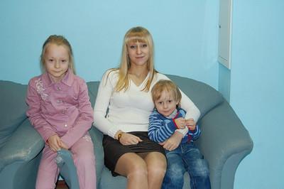 2012-03-17, Olya and Maxim Tsarev at the school