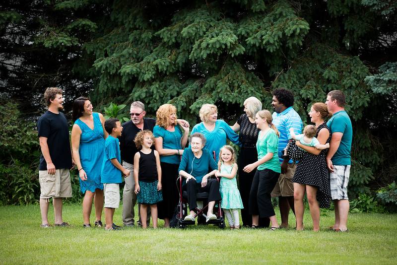 Extended-Family-Pictures-Middleville-Michigan-3.jpg