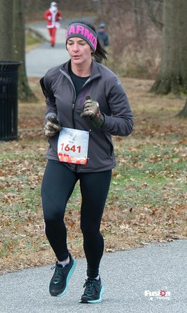 I'm Dreaming of a White-Clawmas 8K - 2019 Race Photos
