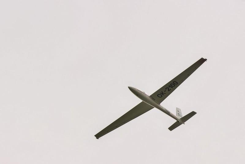 Akrobatický kluzák Swift S1 ve vzduchu