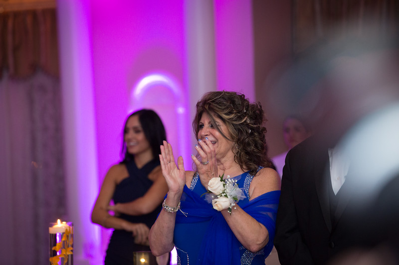 MRN_0961_Loriann_chris_new_York_wedding _photography_readytogo.nyc-.jpg.jpg