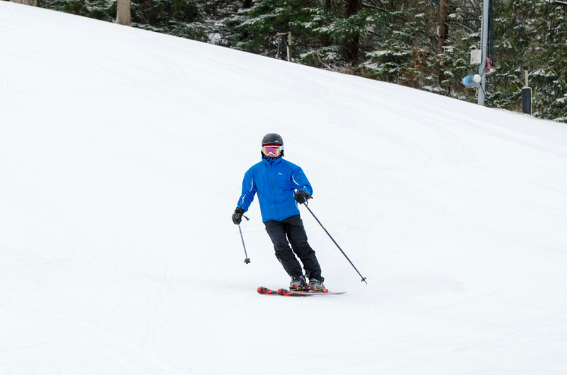Opening-Day-Slopes-2014_Snow-Trails-70916.jpg