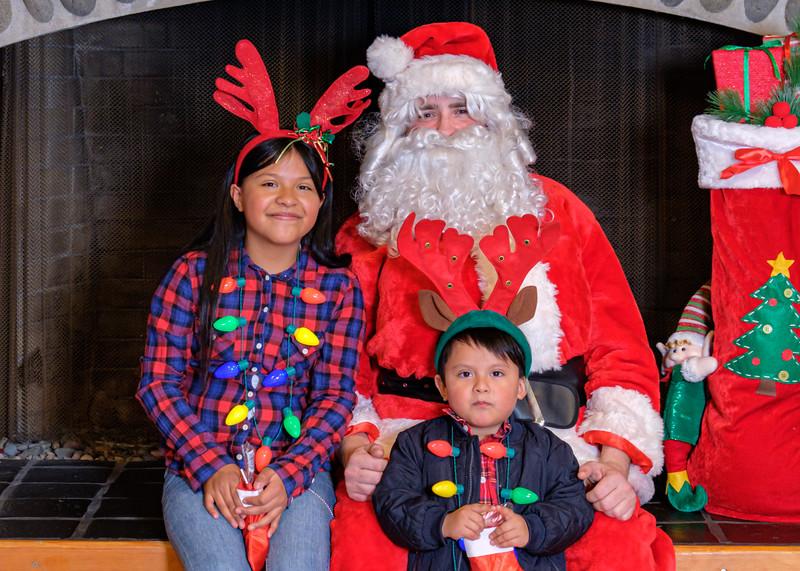 CB Santa 2019-8017.jpg
