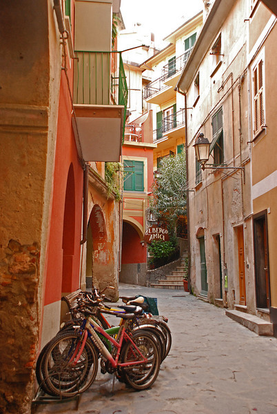 typical street in Monterosso