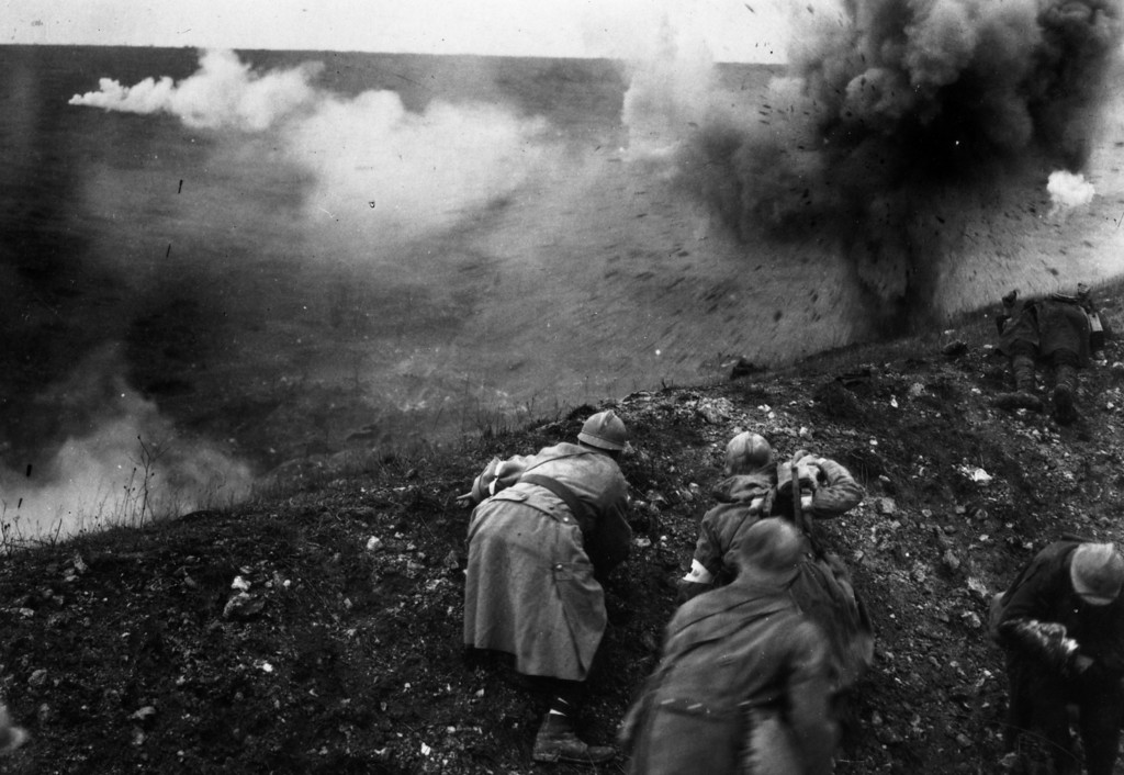 . French troops under shellfire during the Battle of Verdun.   (Photo by General Photographic Agency/Getty Images)