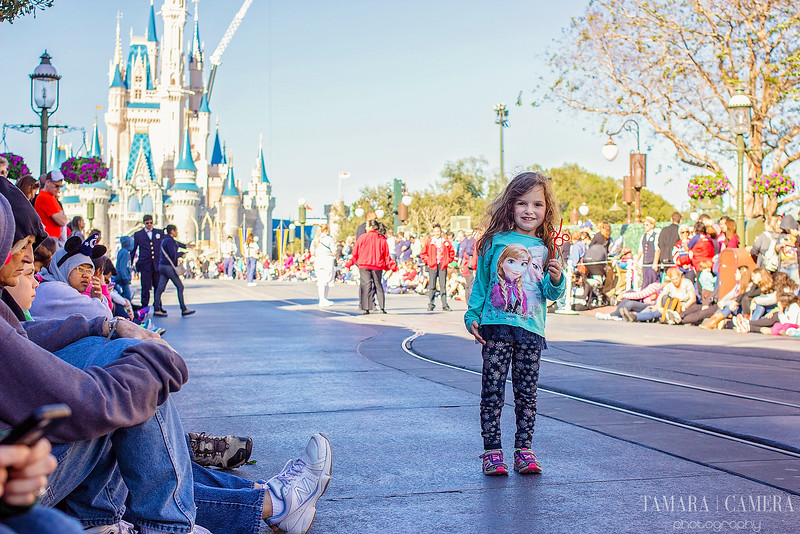 We're going to dive in deep and break down all of the major differences between Disney World and Disneyland so you can plan a Disney vacation with this info