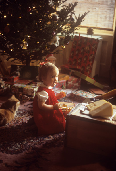 1977-12 Nicole at Christmas.jpg