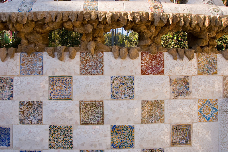 Close-up of some of the mosaic tiles on a wall near the entrance of Park Güell. (Dec 14, 2007, 10:33am)
