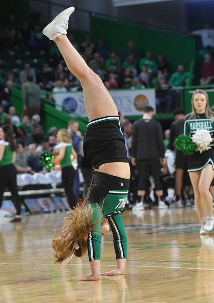 cheerleaders2982.jpg