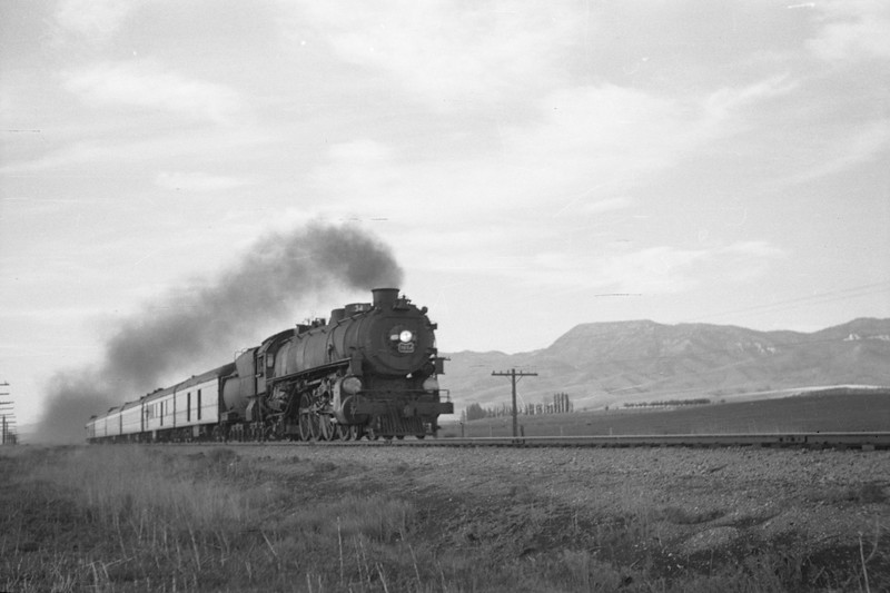 UP_4-8-2_7034-with-Train-34_near-Downey_May-30-1948_001_Emil-Albrecht-photo-0237-rescan.jpg