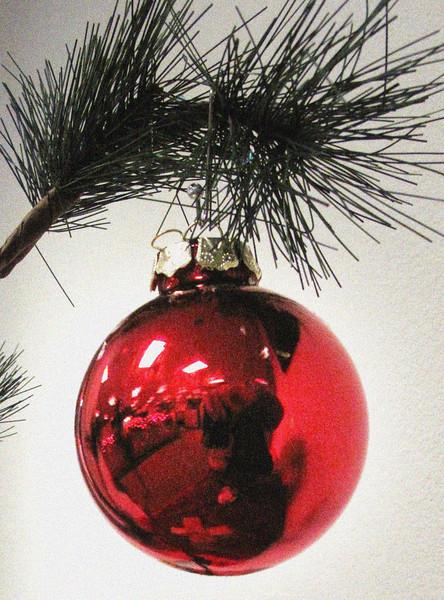 red-ball-christmas.jpg
