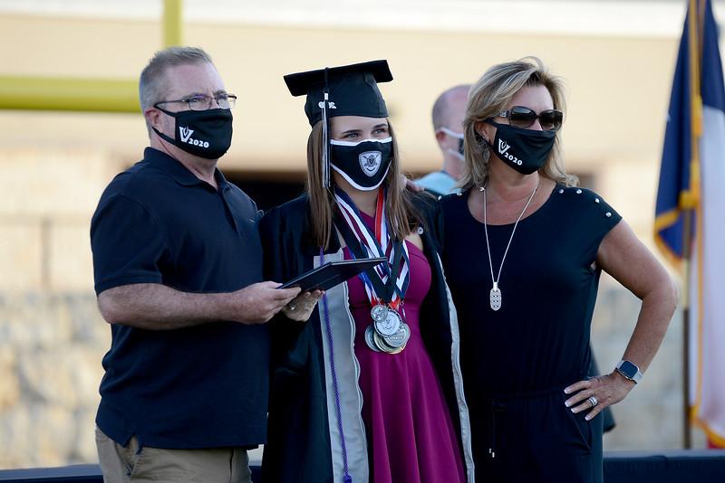 VHS-Graduation_014.jpg