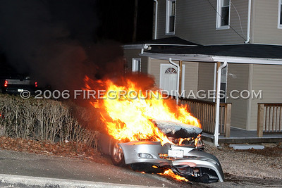 Division Ave. Vehicle Fire (Shelton, CT) 2/8/06