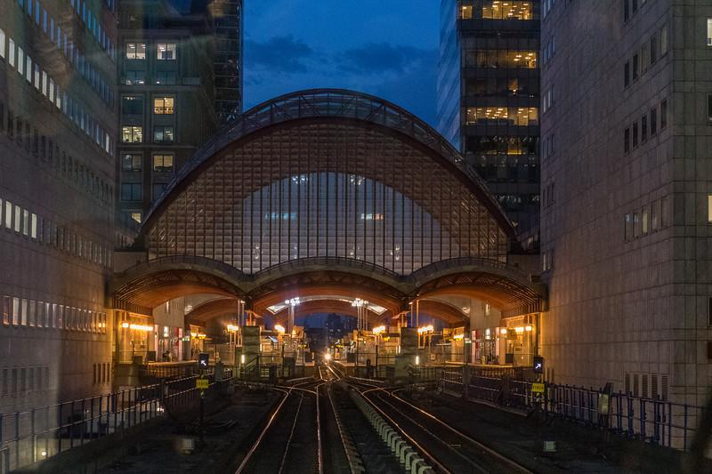 Canary Wharf DLR Tube Station