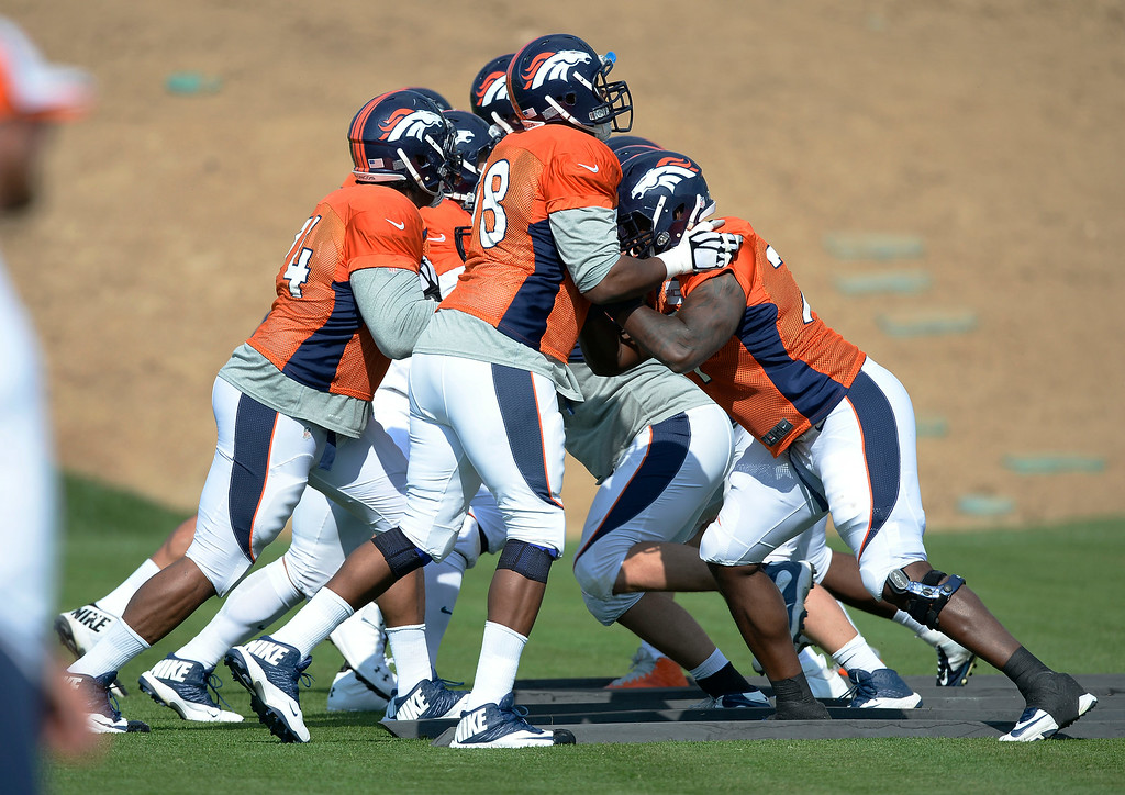 . Denver Broncos offense gets some reps on day five of the Denver Broncos 2014 training camp July 28, 2014 at Dove Valley. (Photo by John Leyba/The Denver Post)