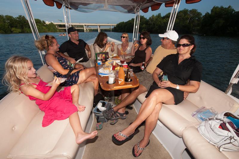 Travelhost_Party-0849.jpg