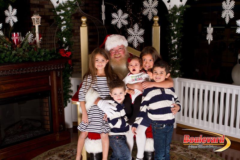 Santa Dec 15-209.jpg