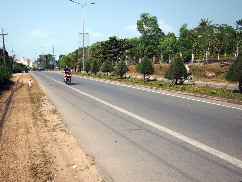 P1297037-long-beach-road.JPG