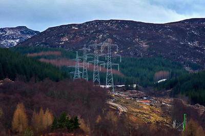Knocklea (pylons) [Unsere 2013 aufgestellte neue Stromleitung]
