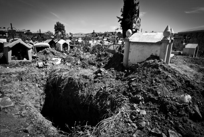 Sucre 201205 Cemetery (40).jpg