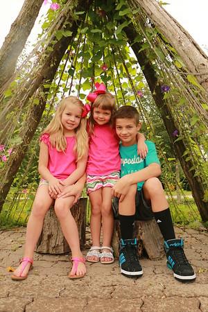 Sam, Molly & Josie {kid pics}