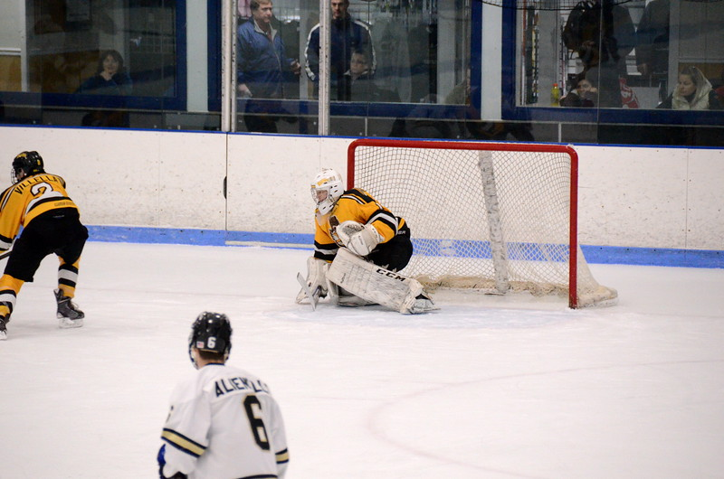 150103 Jr. Bruins vs. Providence Capitals-087.JPG