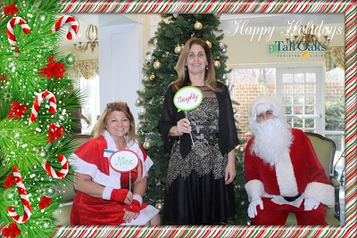 Tall Oaks Pictures with Santa