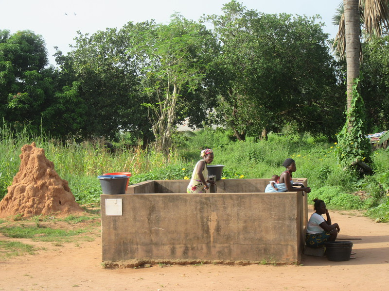 006_Guinea-Bissau. The Cacheu Region. Public Fountain. Paid buy the European Union.JPG