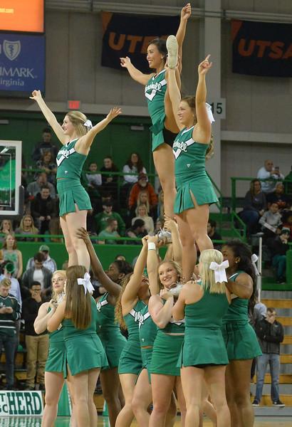 cheerleaders3196.jpg