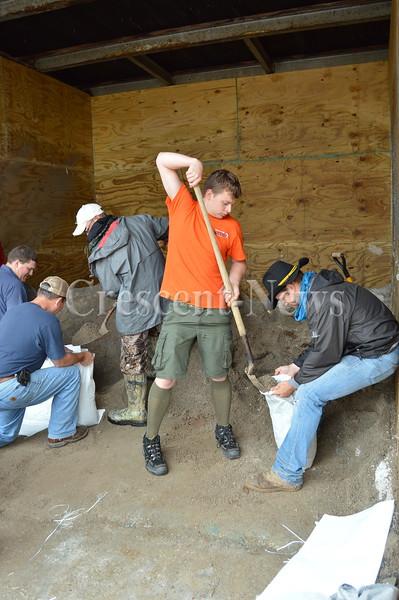 06-27-15 NEWS Sandbagging in Paulding