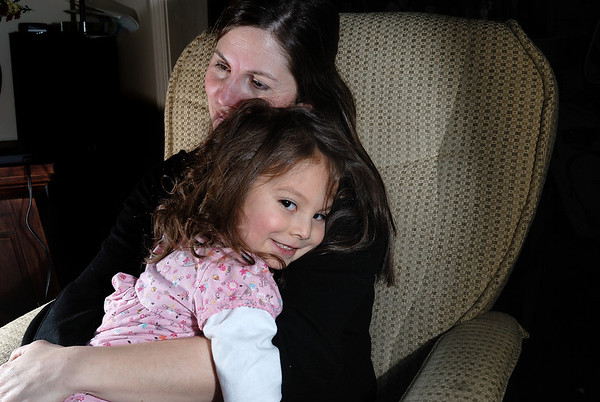 2/8/09 Madeline, Mommy and Jonas