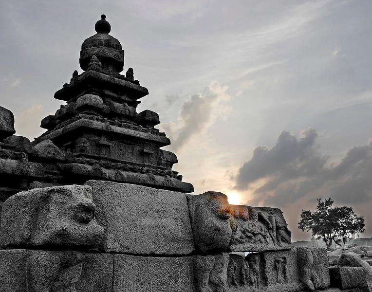 mamallapram shore temple1 11x14prt.jpg