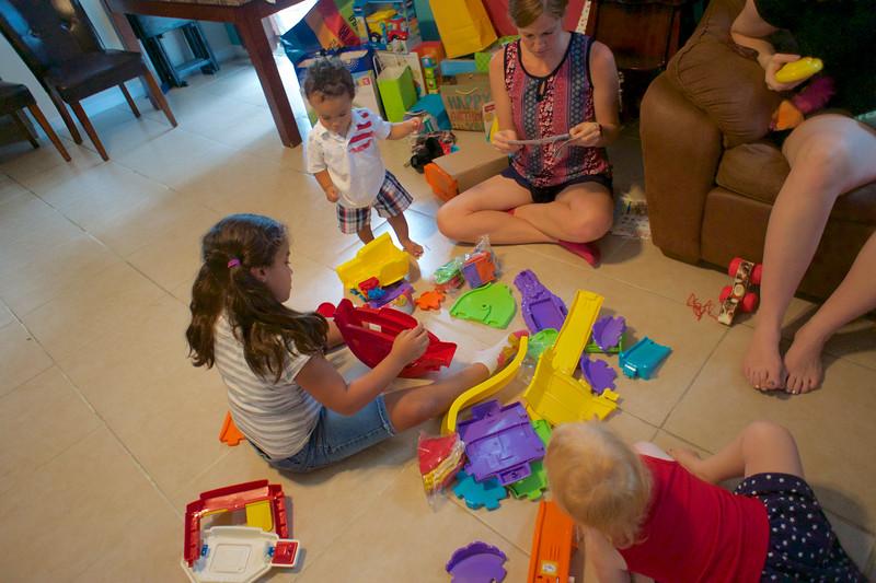 LINCOLN 1st BIRTHDAY PARTY_ 215.jpg