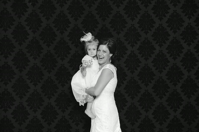 NinaLilyPhotography_Harvey_PhotoBooth004.jpg