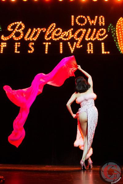 burlesque day2 edits (195 of 123).jpg