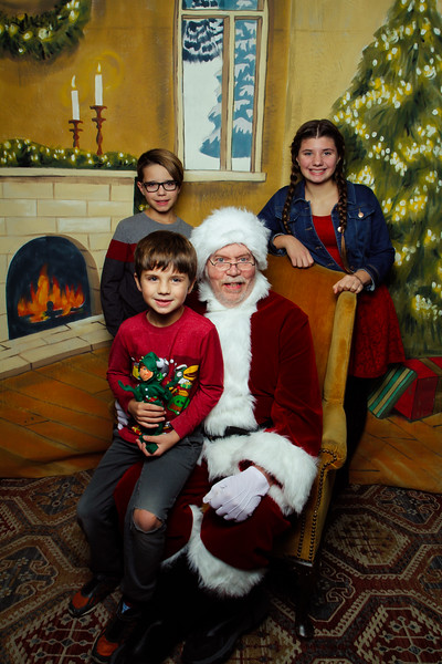 Pictures with Santa Earthbound 12.2.2017-137.jpg