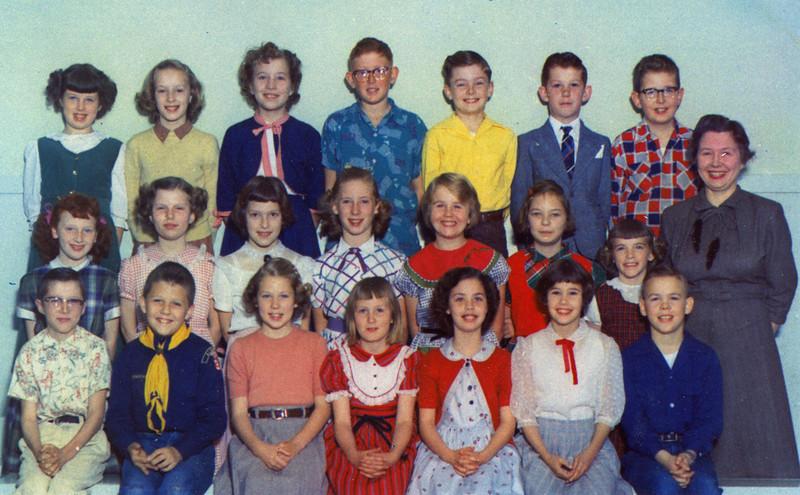 Carole Class Maple School.jpg