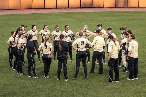 Purdue Softball vs Illinois 2016-4-15