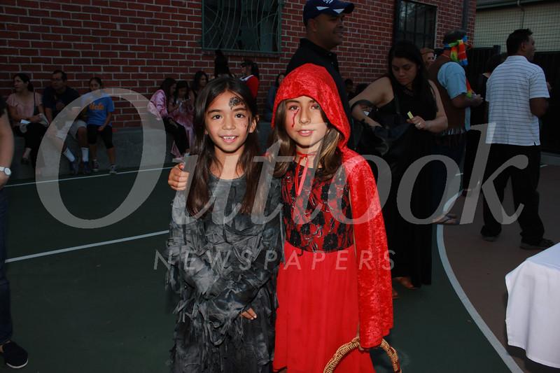 0440 Paloma Muniz-Ochoa and Vivien Vasquez.jpg