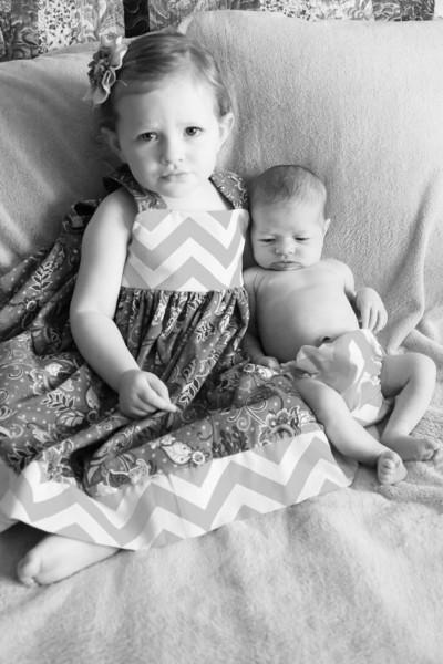 2014.03.30 Whitney Kronforst Newborn Photos B-W 27.jpg
