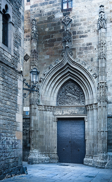 Archway on Carrer de la Pietat
