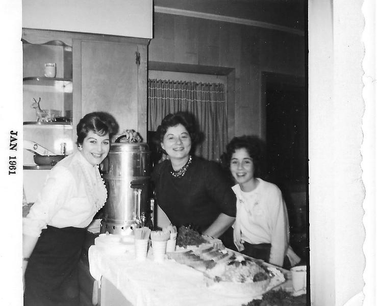 "Evelyn (""Evy"") Simon, Lucille Mirsky, Phyllis Jayne Mirsky, November 1960"