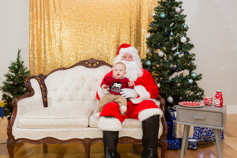 FADS Picture with Santa-152.jpg