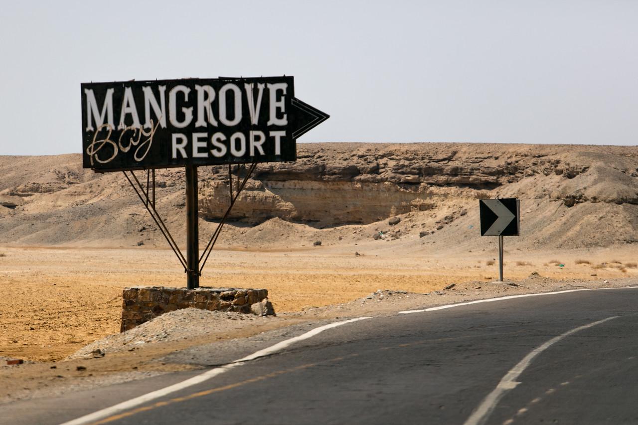 Egipt; Krajobraz; PrzezOknoAutobusu; Safari; pustynia; Reklama resortu